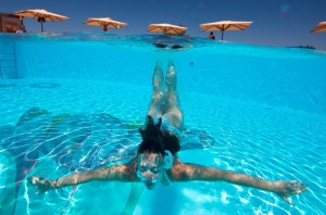 שחייה